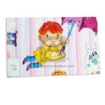 papel Cartón  Microcorrugado Estampado Niño con Paraguas  lamina   Nirvana Multicolor medio pliego 70x50cm