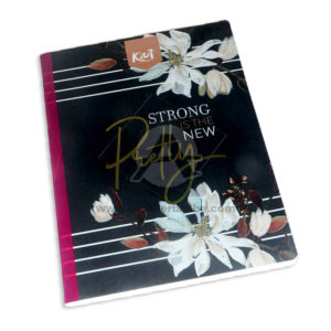 cuaderno cosido Kiut Pretty Strong is the New Norma Grande 100 hojas rayado femenino