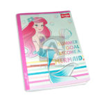 cuaderno cosido  fino con sticker sirenita Ariel Scribe Grande 100 hojas cuadriculado Niña